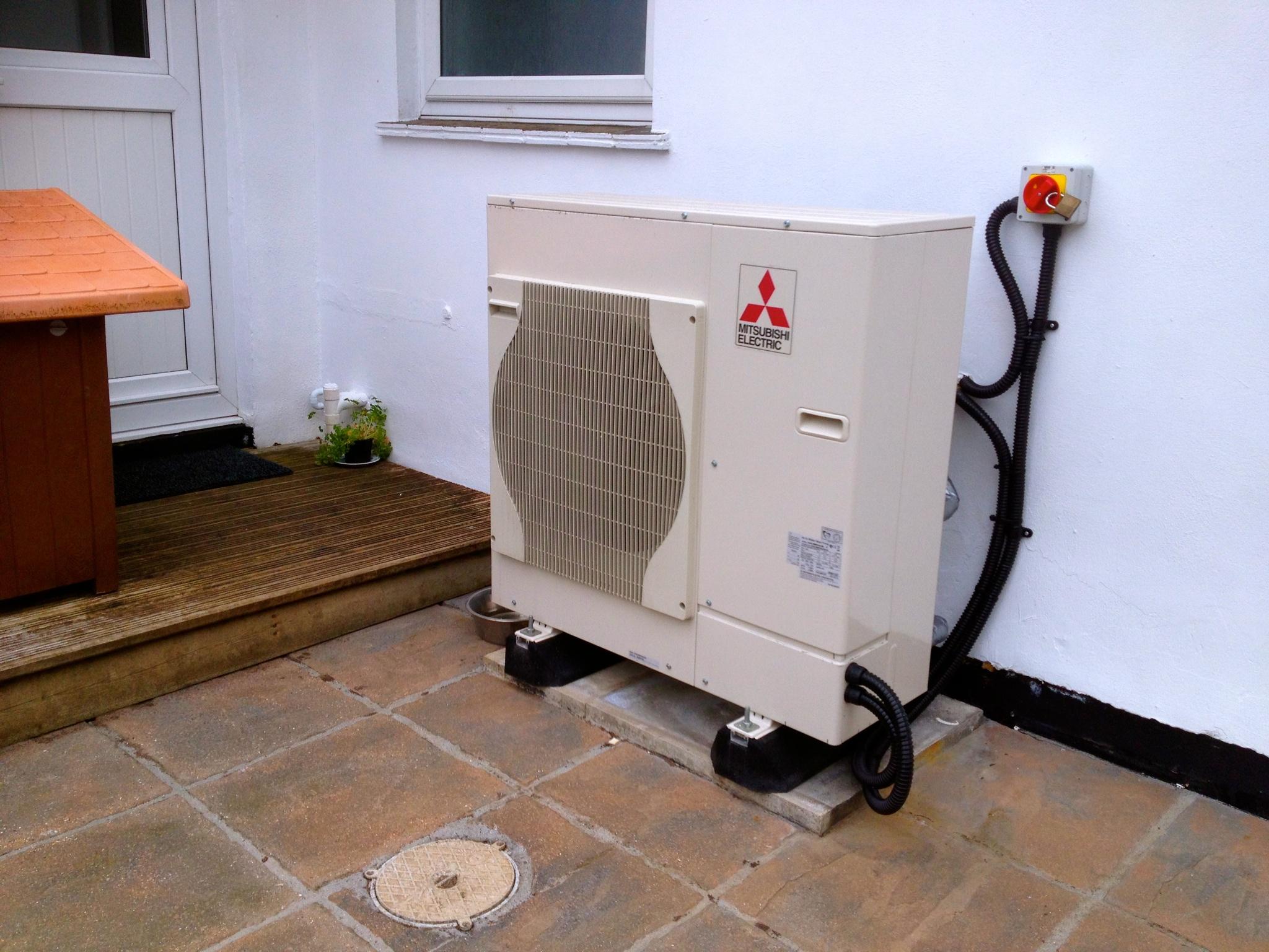 How To Install A Heat Pump Air Source Heat Pump Install The Lizard Cornwall Greengenuk