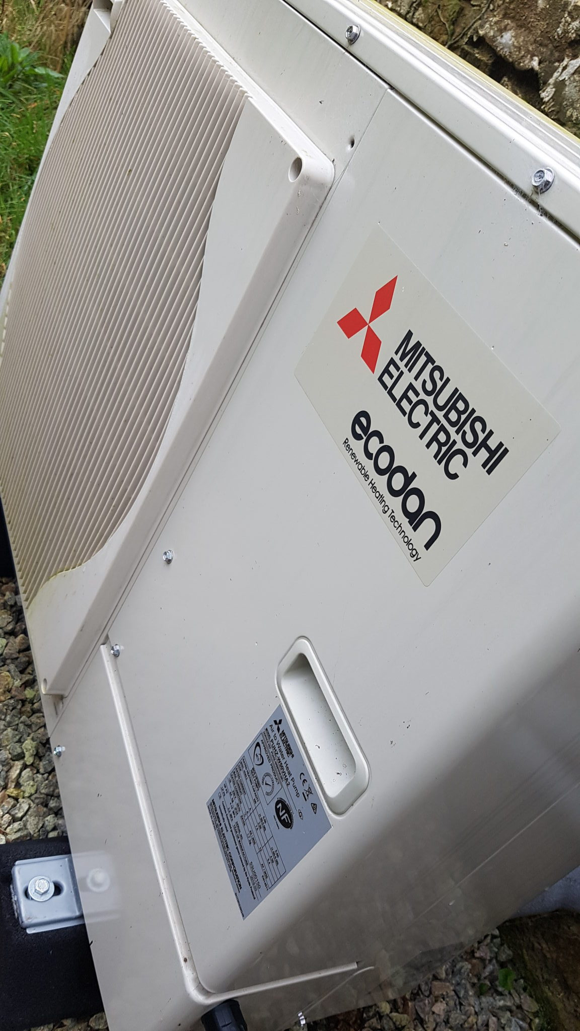 8.5kW Mitsubishi Ecodan air source heat pump installation in Helston, Cornwall.