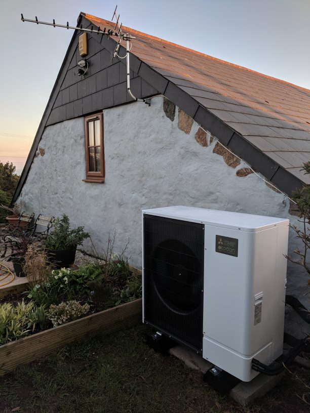 An 8.5kW Ultra Quiet Mitsubishi Ecodan unit installed by GreenGenUK near Penzance, Cornwall.