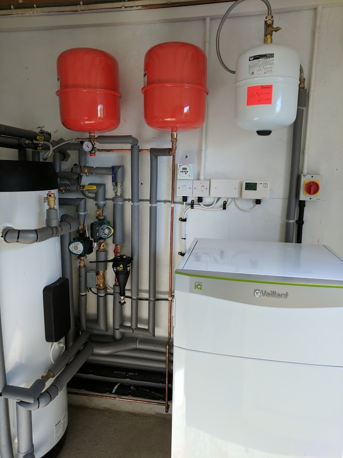 An 11kW Vaillant flexoTHERM ground source heat pump